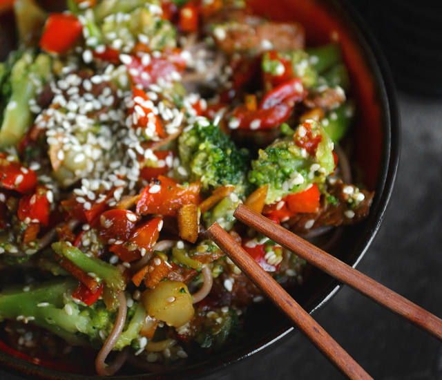 Noodles with vegetables