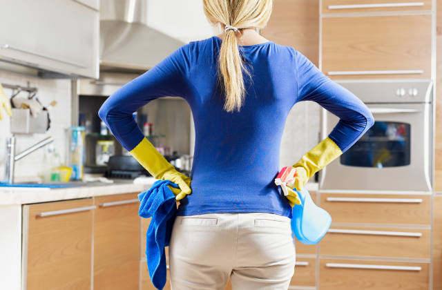 Woman-doing-housekeeping