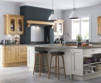classic-traditional-country-wakefield-light-oak-painted-stone-kitchen-hero-b-700-x-425