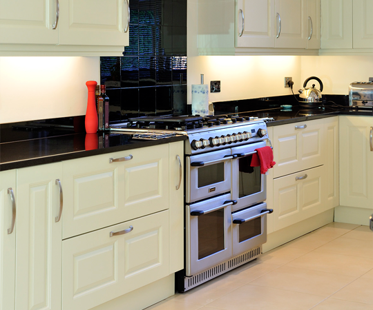Tony Tobin's New Kitchen Fitted By Price Kitchens